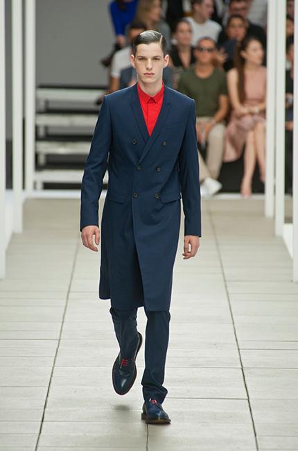 0a861876af4e ... Défilé Dior Homme Printemps-été 2013 - Diaporama photo ...