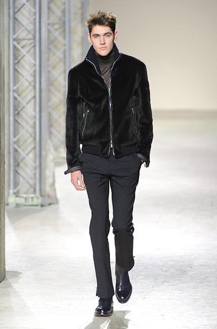 65924173b180 ... Défilé Hermès Automne-hiver 2013-2014 - Diaporama photo - defile-homme- hermes-automne-hiver-2013-2014-42 ...
