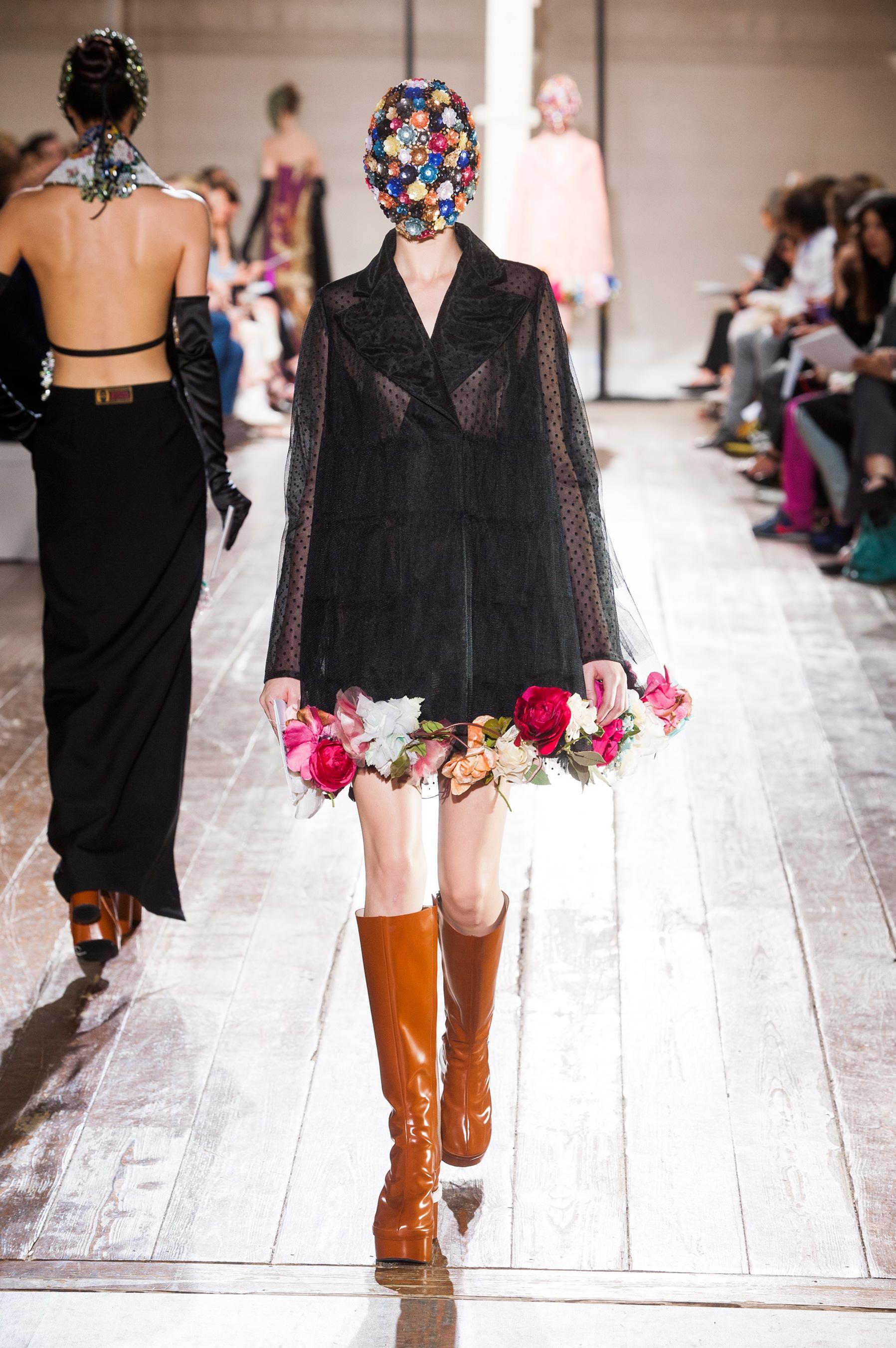 d fil maison margiela automne hiver 2013 2014 couture madame figaro. Black Bedroom Furniture Sets. Home Design Ideas