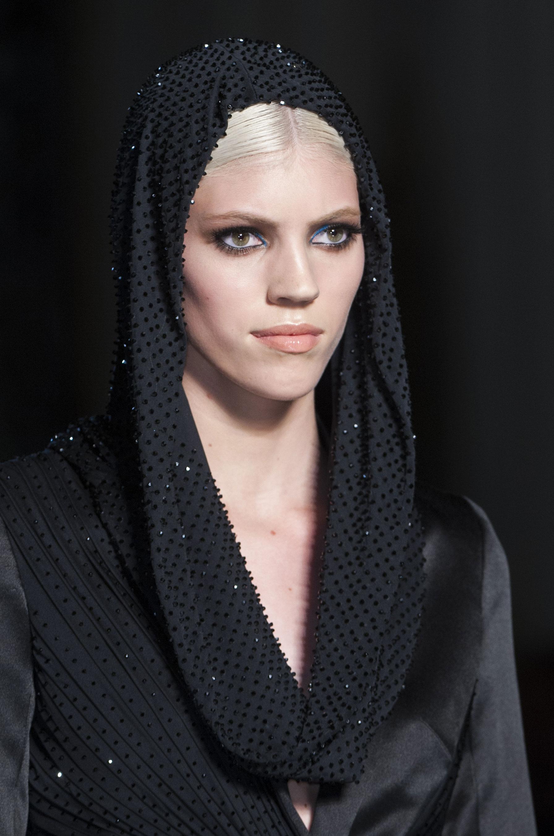 D fil atelier versace printemps t 2014 couture madame for 1900 haute couture
