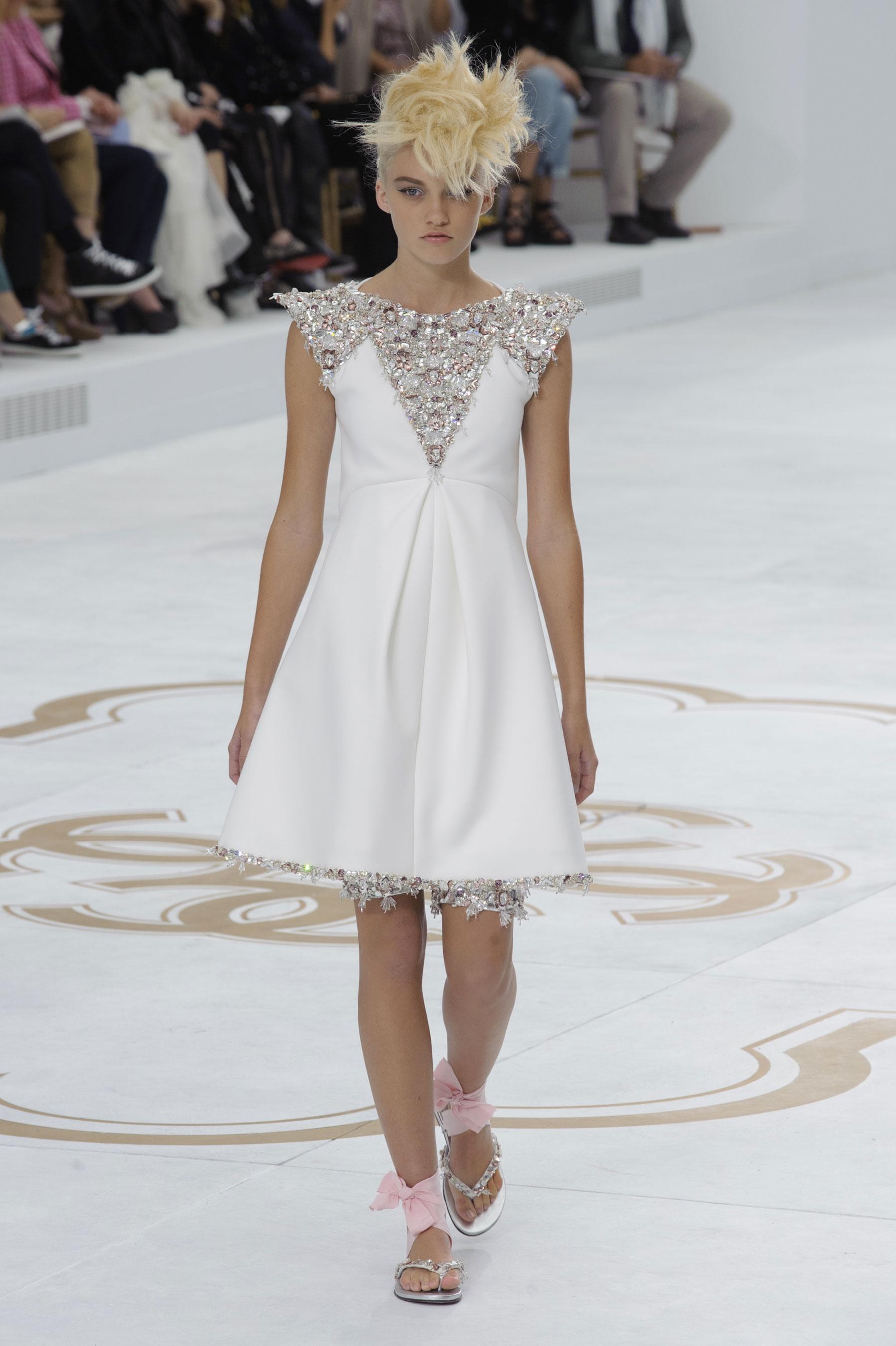 Вечерние платья chanel dior valentino emporio armani куртка женская кожаная