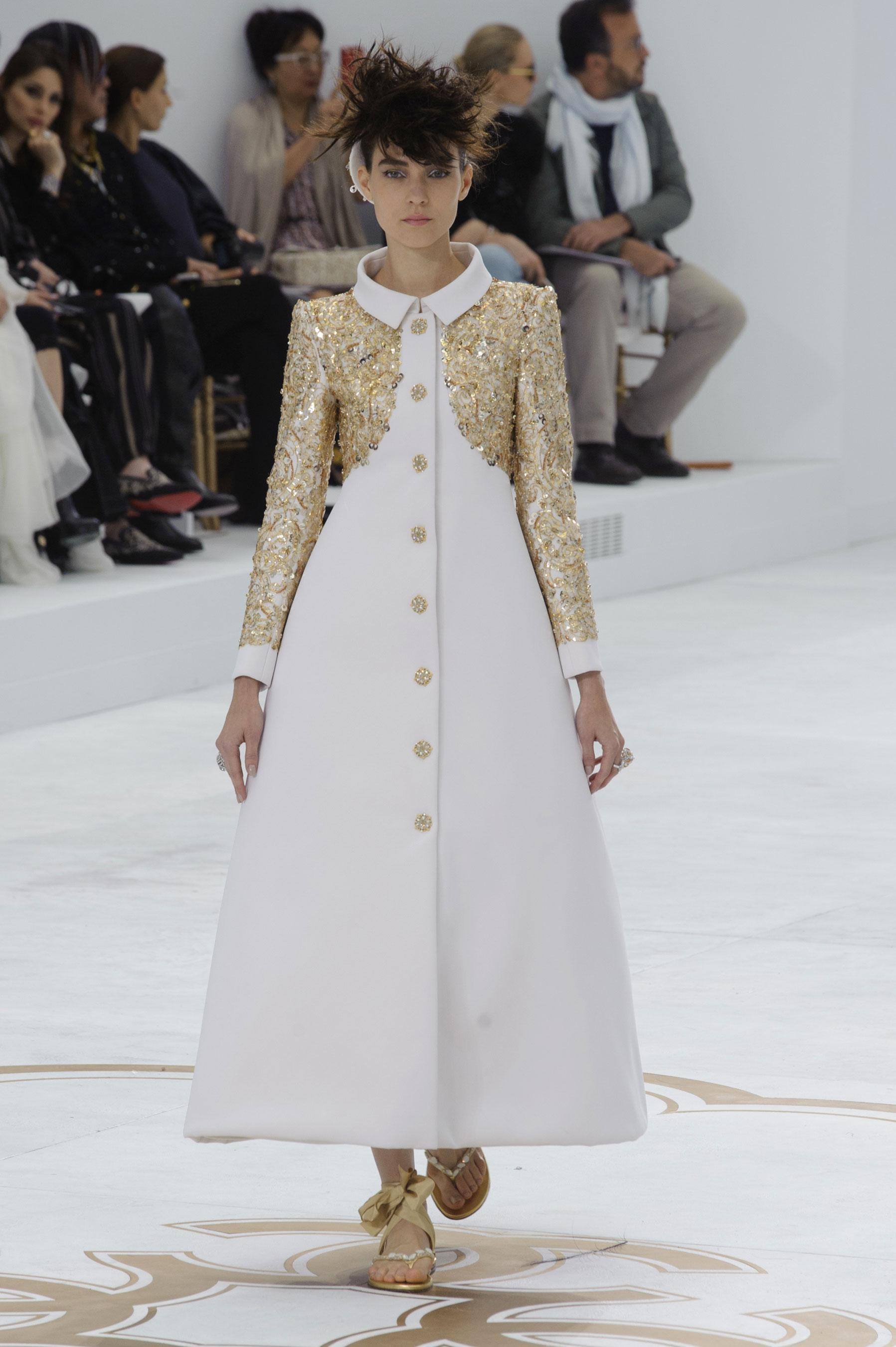 D fil chanel automne hiver 2014 2015 couture madame figaro for Chanel haute couture 2015