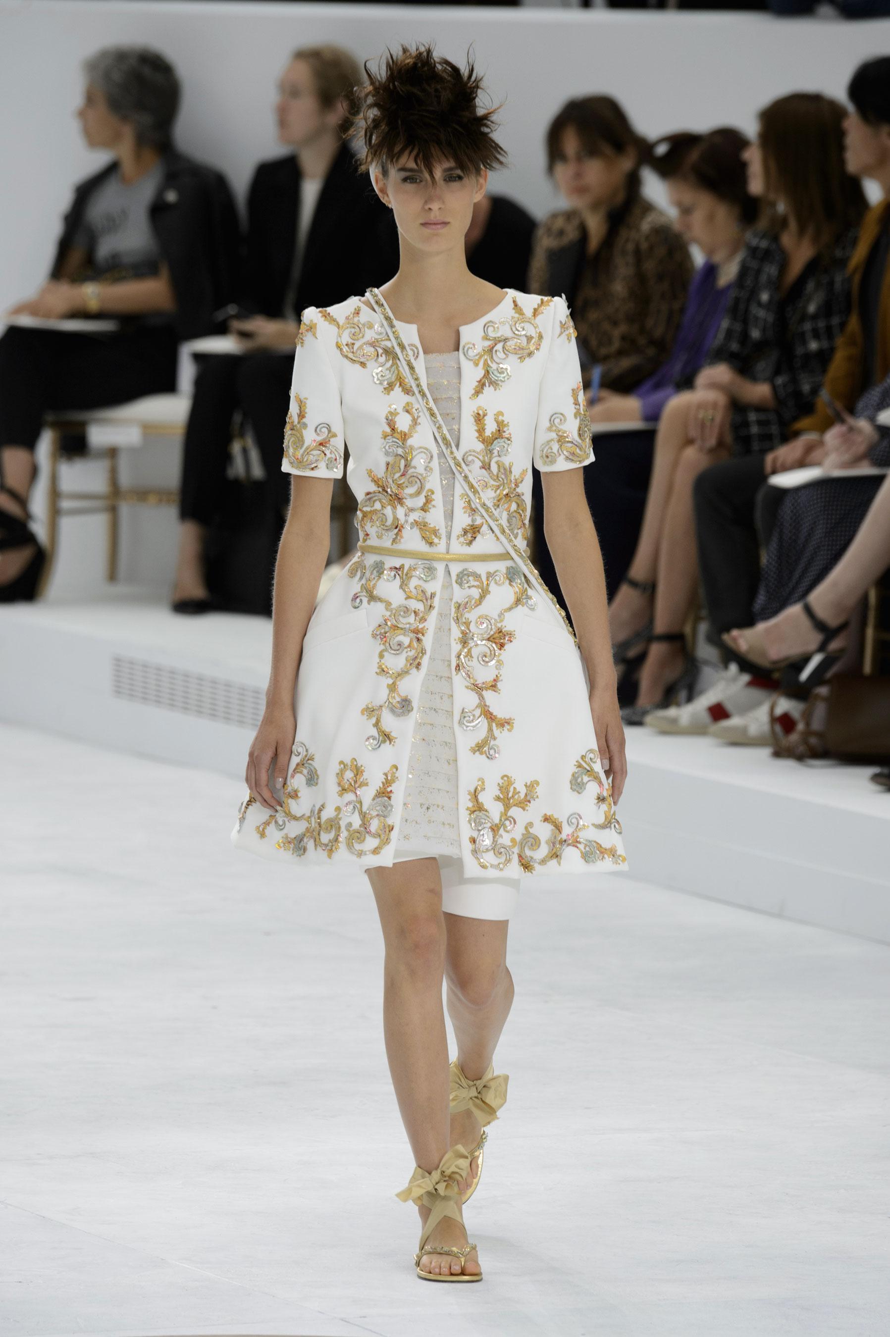 D fil chanel automne hiver 2014 2015 haute couture le for Chanel haute couture 2015