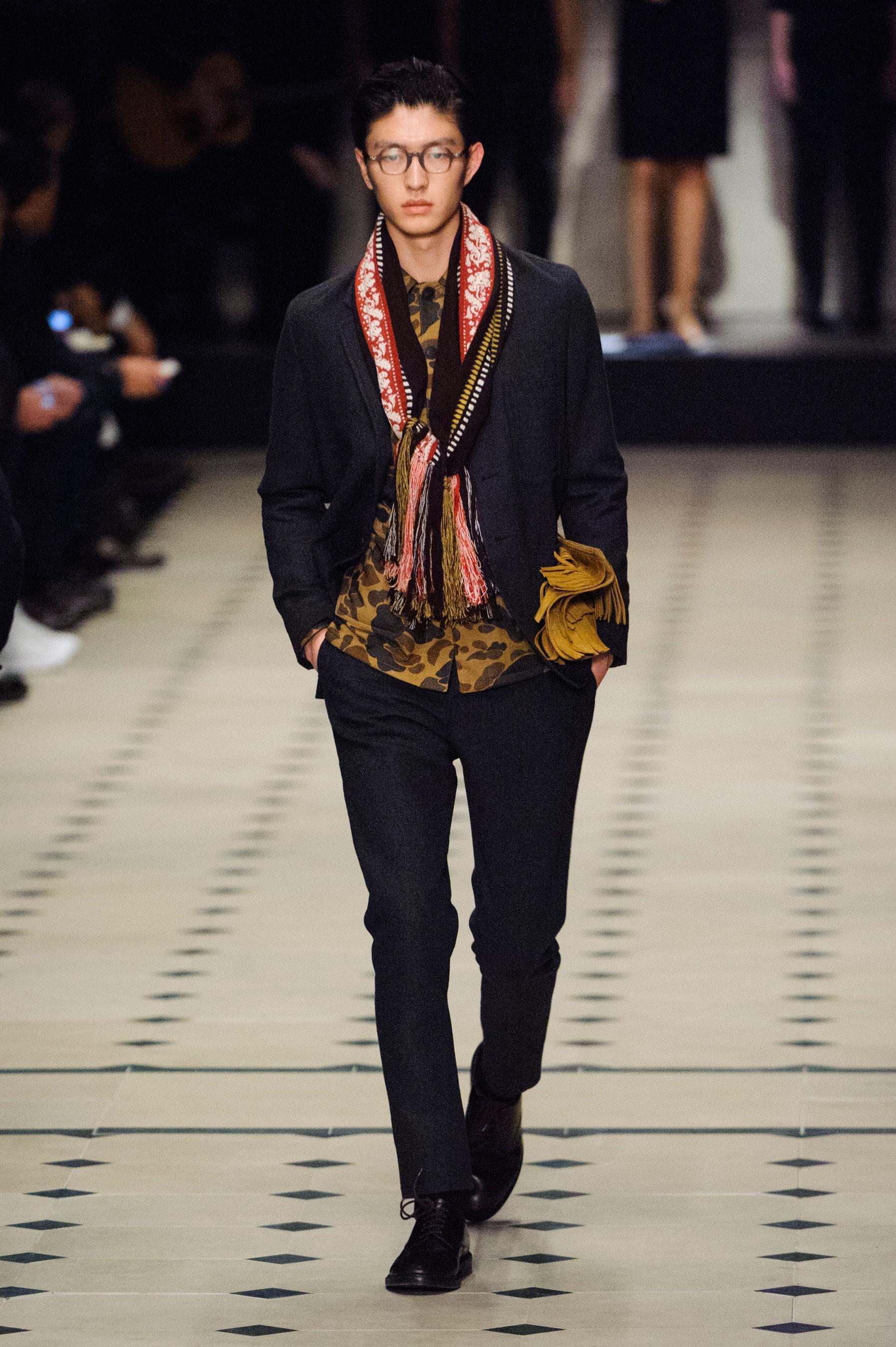 Hiver Défilé Automne 2015 2016 Figaro Homme Madame Burberry OZ8n0kXNwP