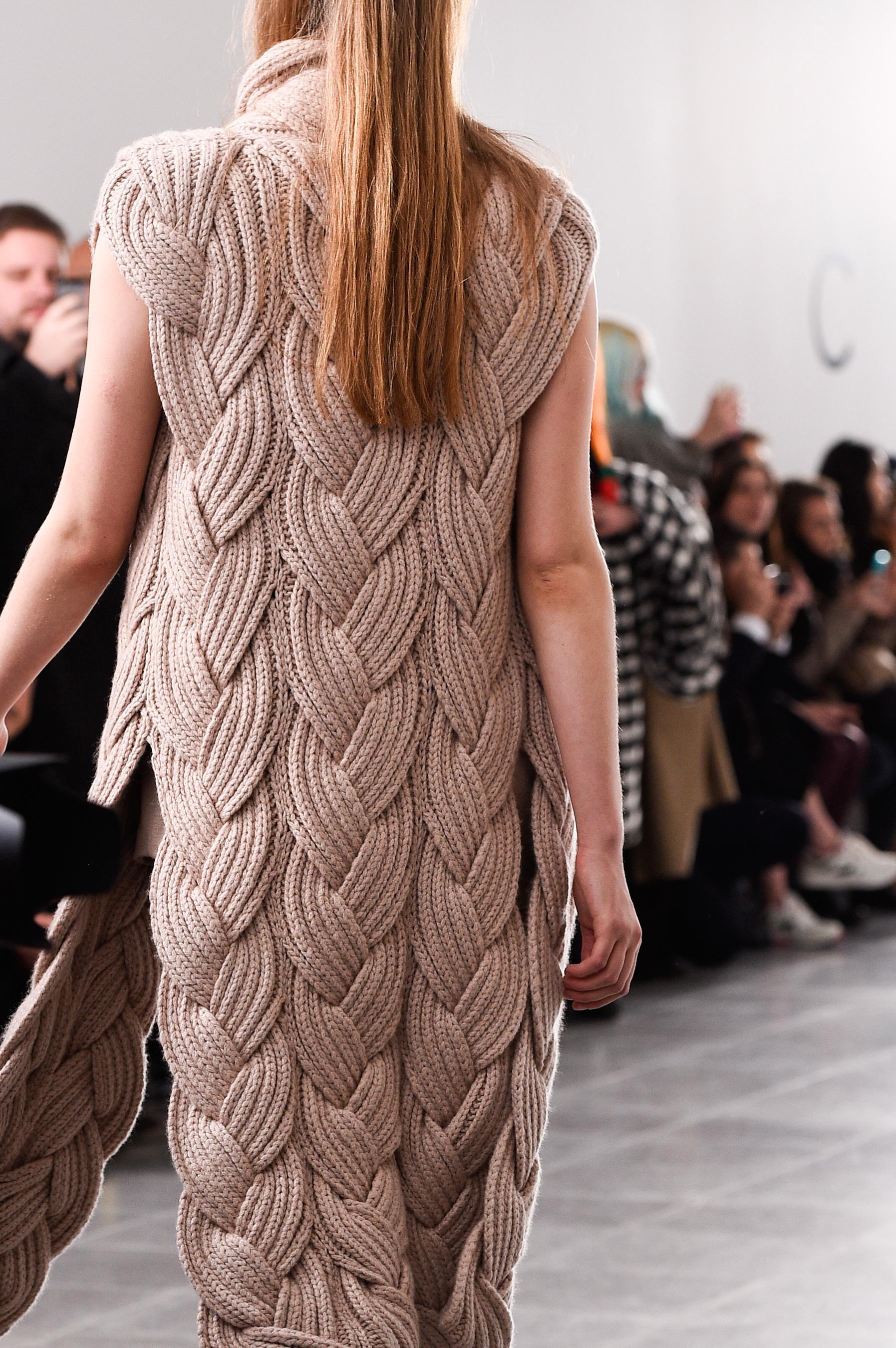 Модное вязание на спицах фото