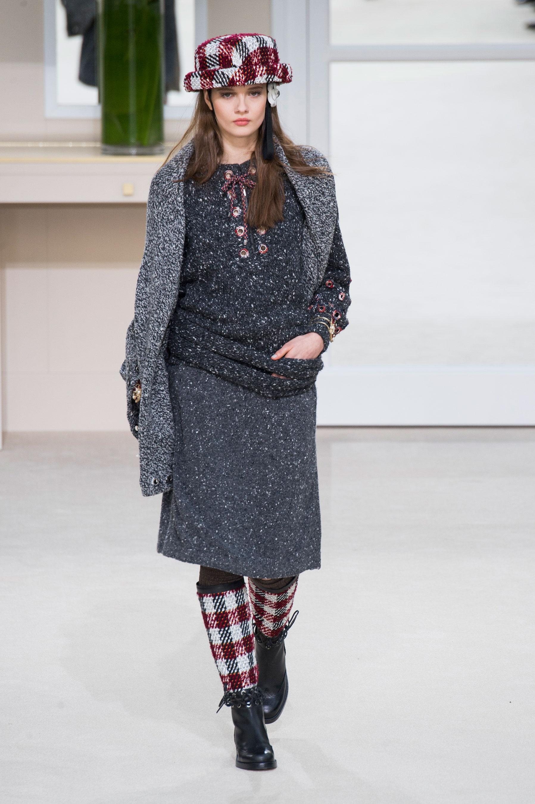 Défilé Chanel automne,hiver 2016,2017, Paris , Look 34.