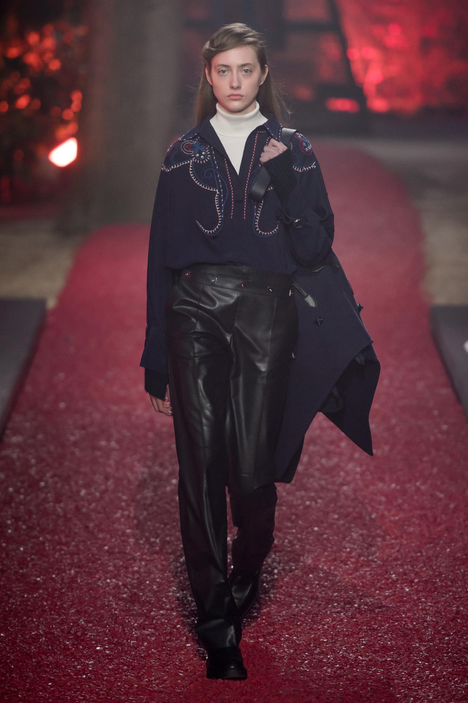 6cd0bdd09661 Défilé Hermès automne-hiver 2018-2019, Paris - Look 20. Défilé Hermès Prêt -à-porter automne-hiver 2018-2019 Paris - photo 20 Imaxtree