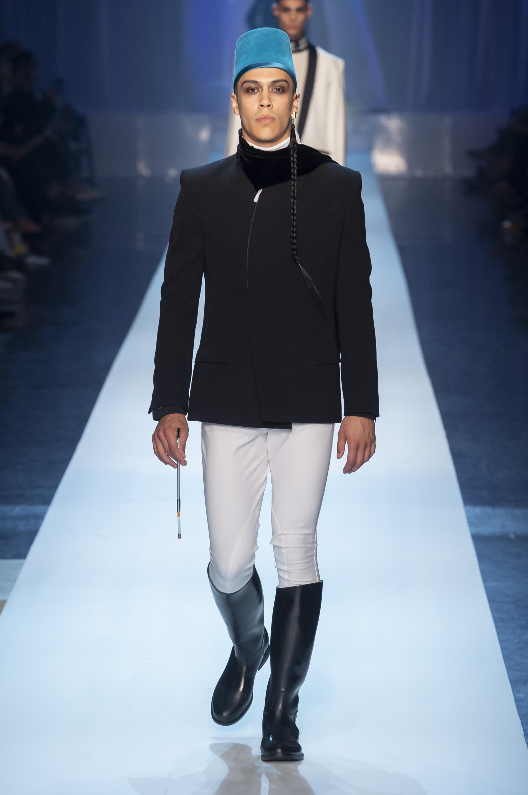 Défilé Jean Paul Gaultier automne-hiver 2018-2019 Couture - Madame ... be8af153ec60