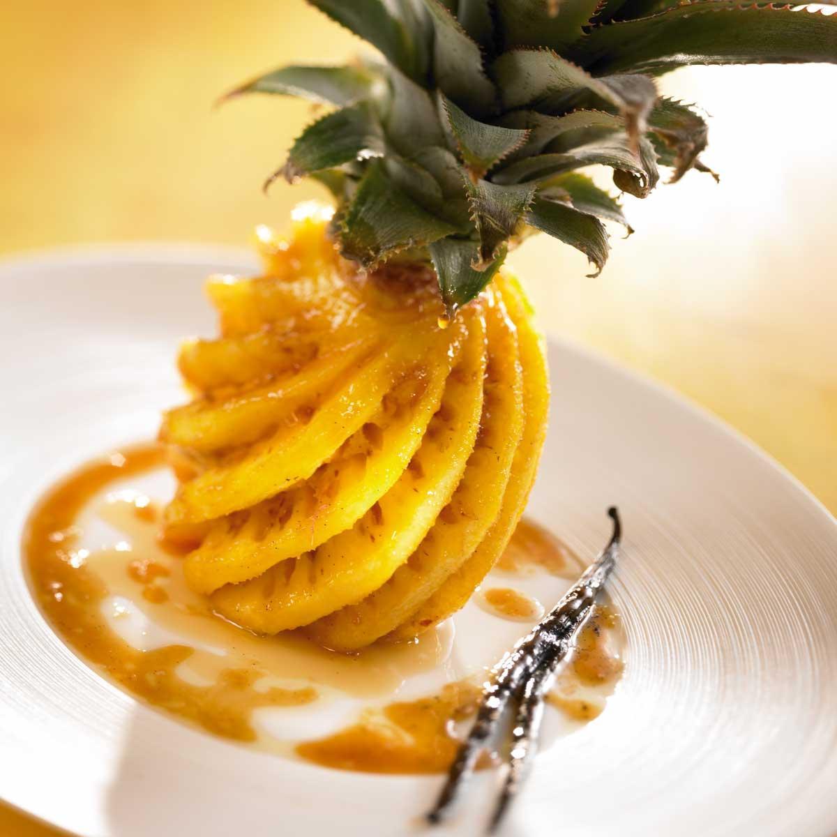 recette ananas r ti au beurre vanill cuisine madame figaro. Black Bedroom Furniture Sets. Home Design Ideas