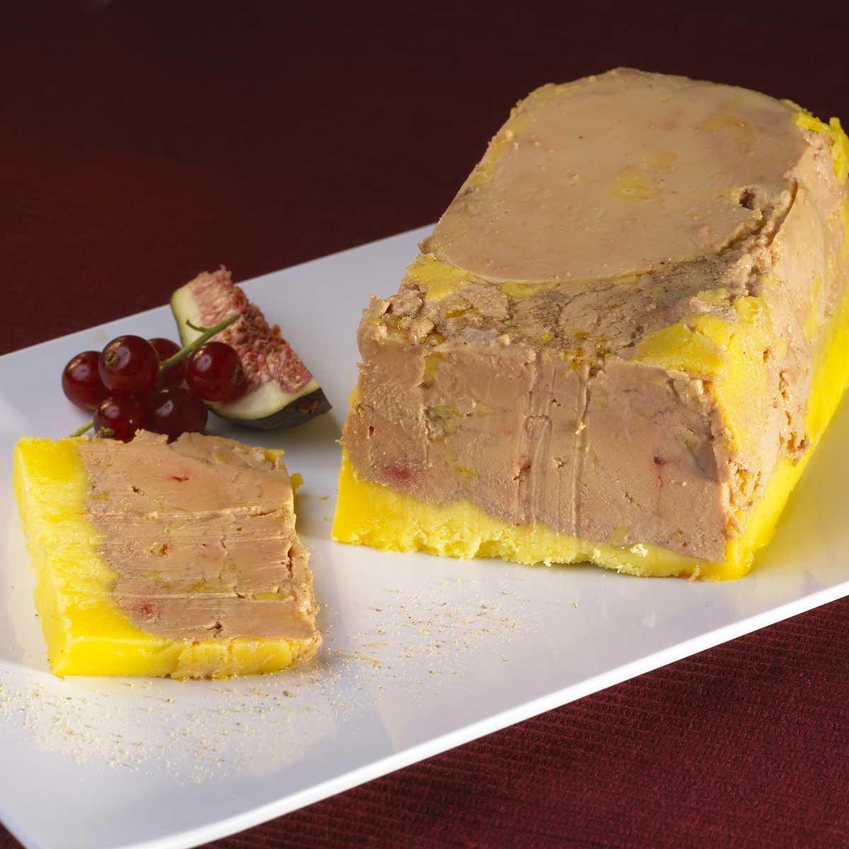 Recette terrine de foie gras de canard cuisine madame figaro - Recette terrine foie gras ...