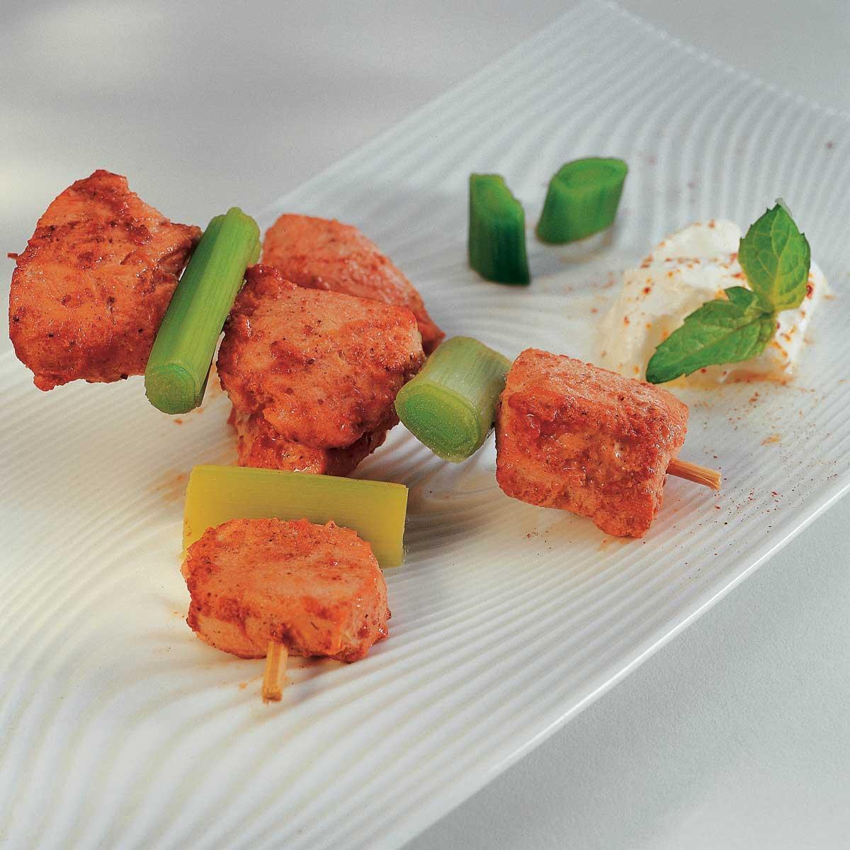 recette brochettes de poulet tandoori cuisine madame figaro. Black Bedroom Furniture Sets. Home Design Ideas