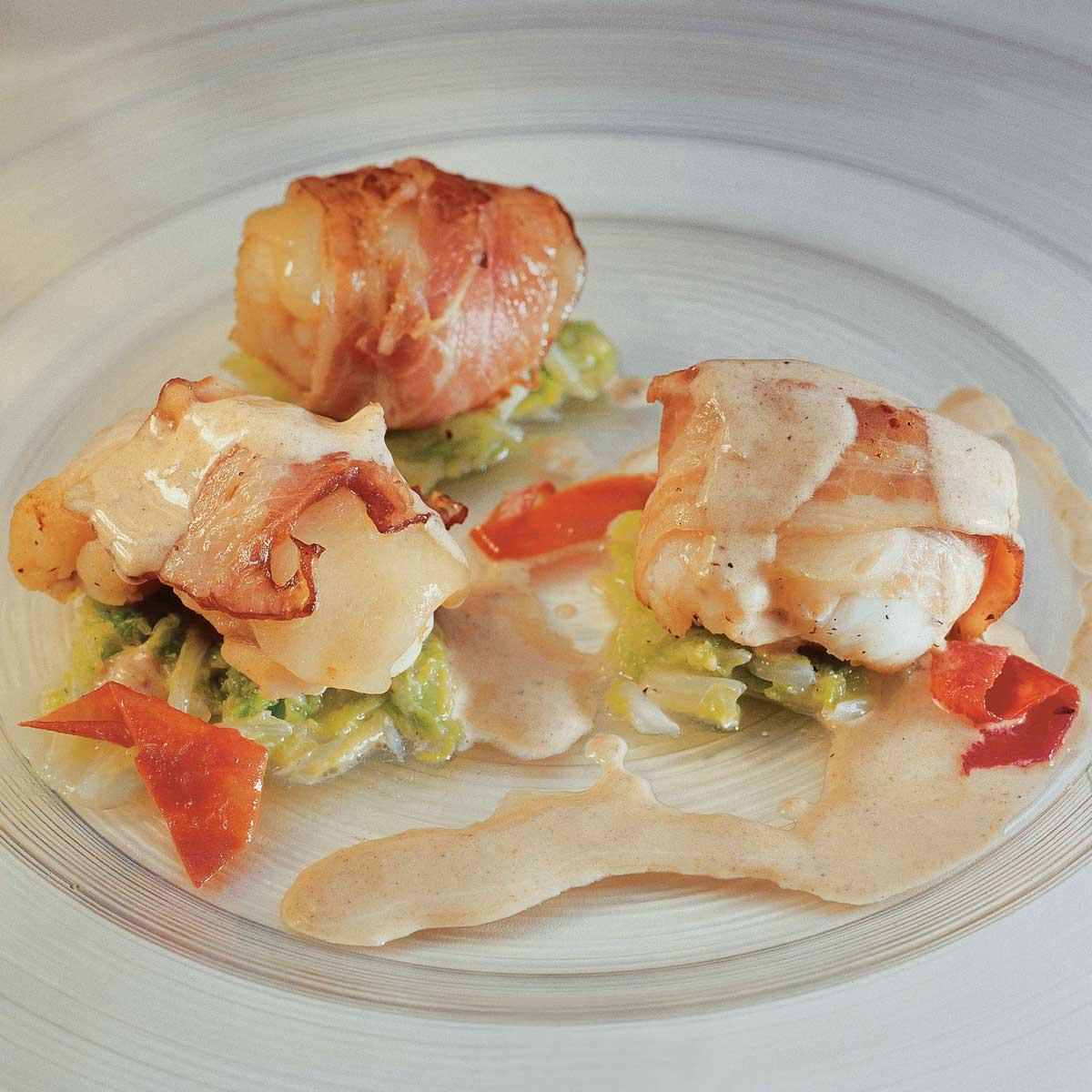 Recette lotte au lard et beaufort cuisine madame figaro - Lotte al armoricaine recette cuisine ...