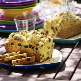 recette trois cakes aux fruits secs cuisine madame figaro. Black Bedroom Furniture Sets. Home Design Ideas