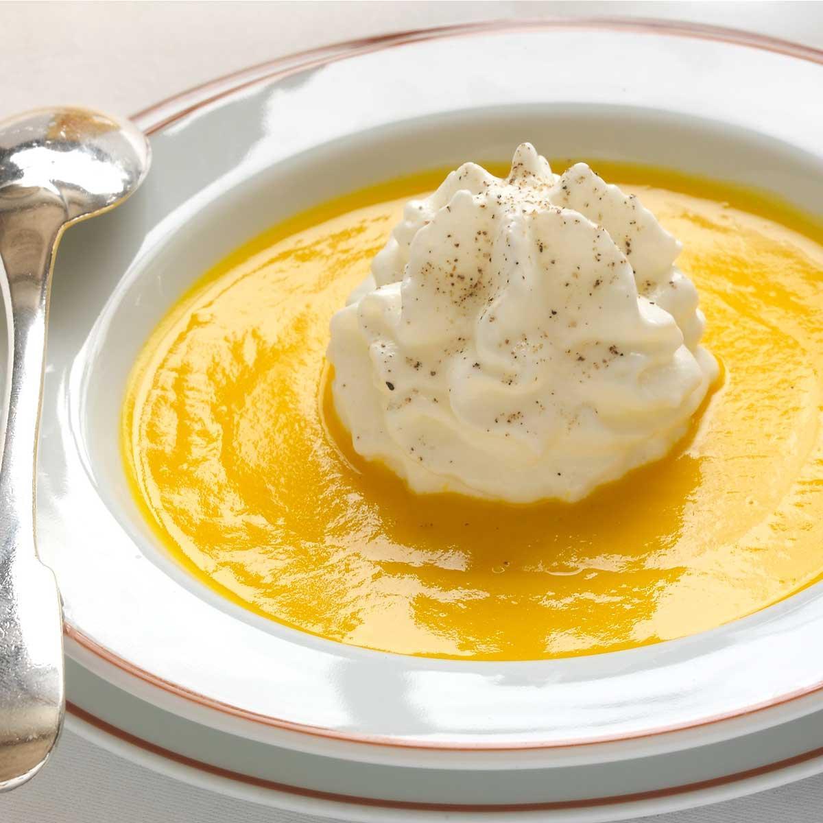 Recette velout de potiron et lait souffl au carr frais - Entree simple et raffinee ...
