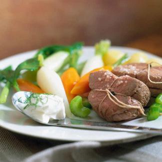 Recette filet de b uf la ficelle cuisine madame figaro - Duree cuisson cote de boeuf ...