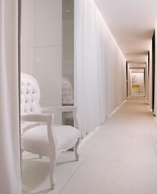 clarins descend au royal monceau madame figaro. Black Bedroom Furniture Sets. Home Design Ideas