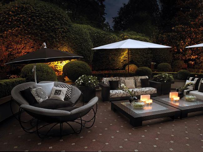 Luxury living l 39 empire du mobilier fashion le figaro - Divano fendi prezzo ...