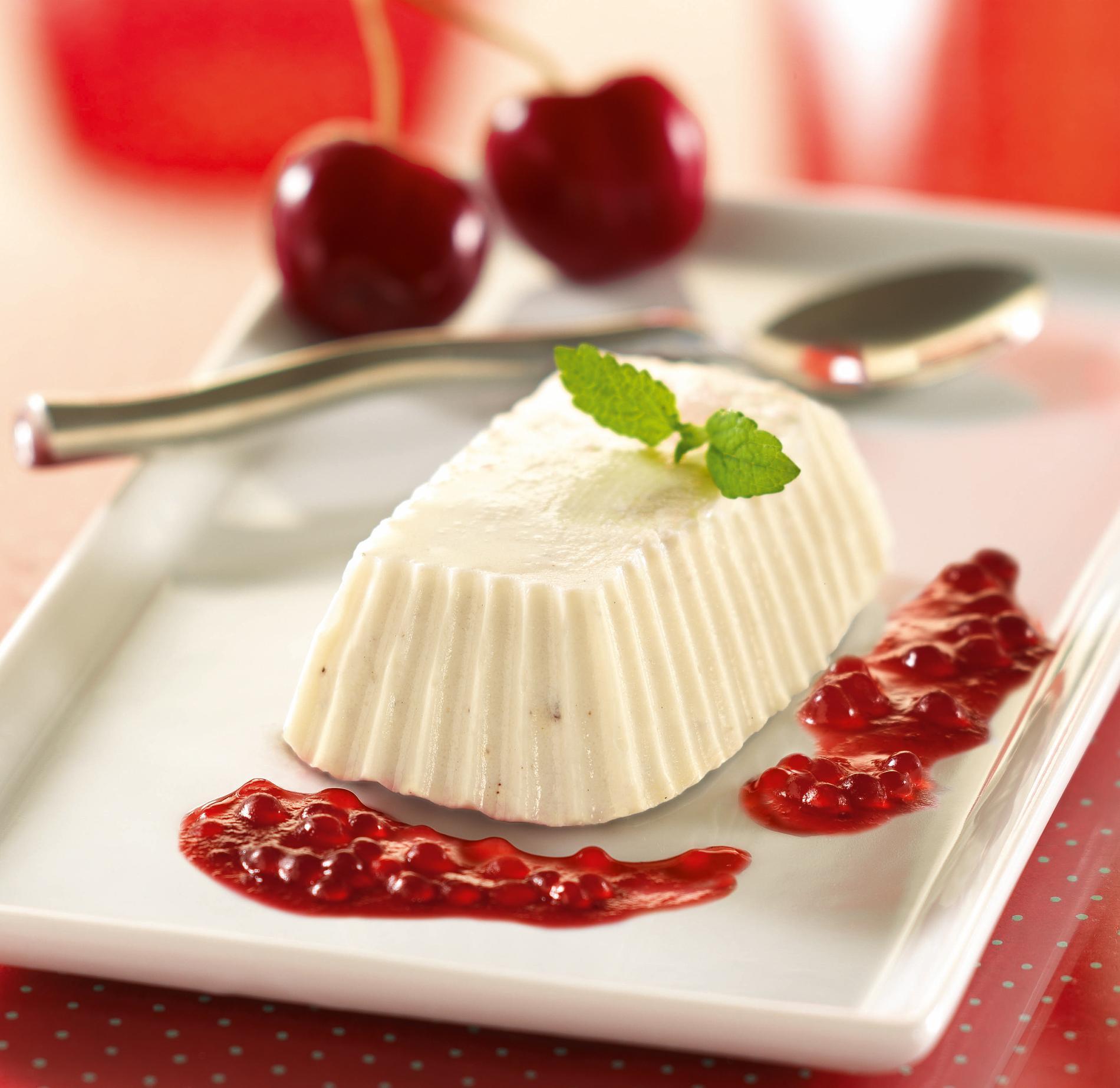Recette panna cotta et sa gel e perl e la cerise cuisine madame figaro - Recette panna cotta mascarpone ...