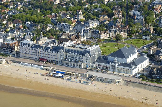 Cabourg un palace l infini tif madame figaro for Piscine cabourg