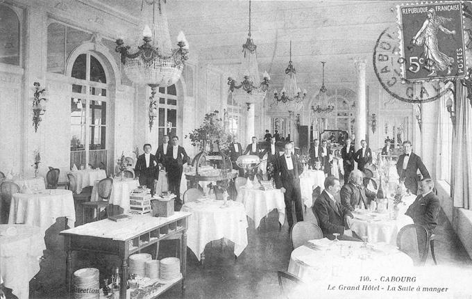 Cabourg un palace l infini tif madame figaro for Salle de bain belle epoque