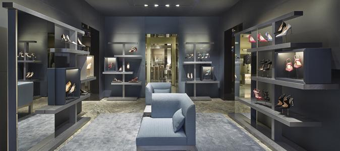 Giorgio armani se d ploie avenue montaigne madame figaro for Giorgio aldo interior designs
