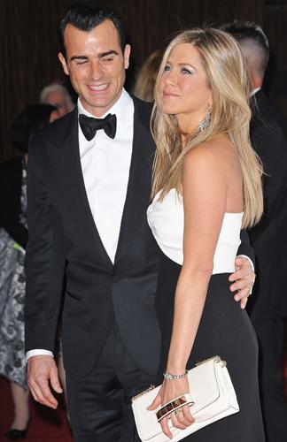 jennifer aniston et son compagnon justin theroux la soire en lhonneur de ben stiller lhtel hilton de beverly hills le 15 novembre 2012 - Jennifer Aniston Mariage