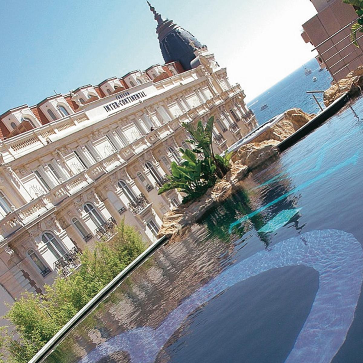 Cannes et ses environs dans les pas de daphn b rki le for Le jardin secret cannes