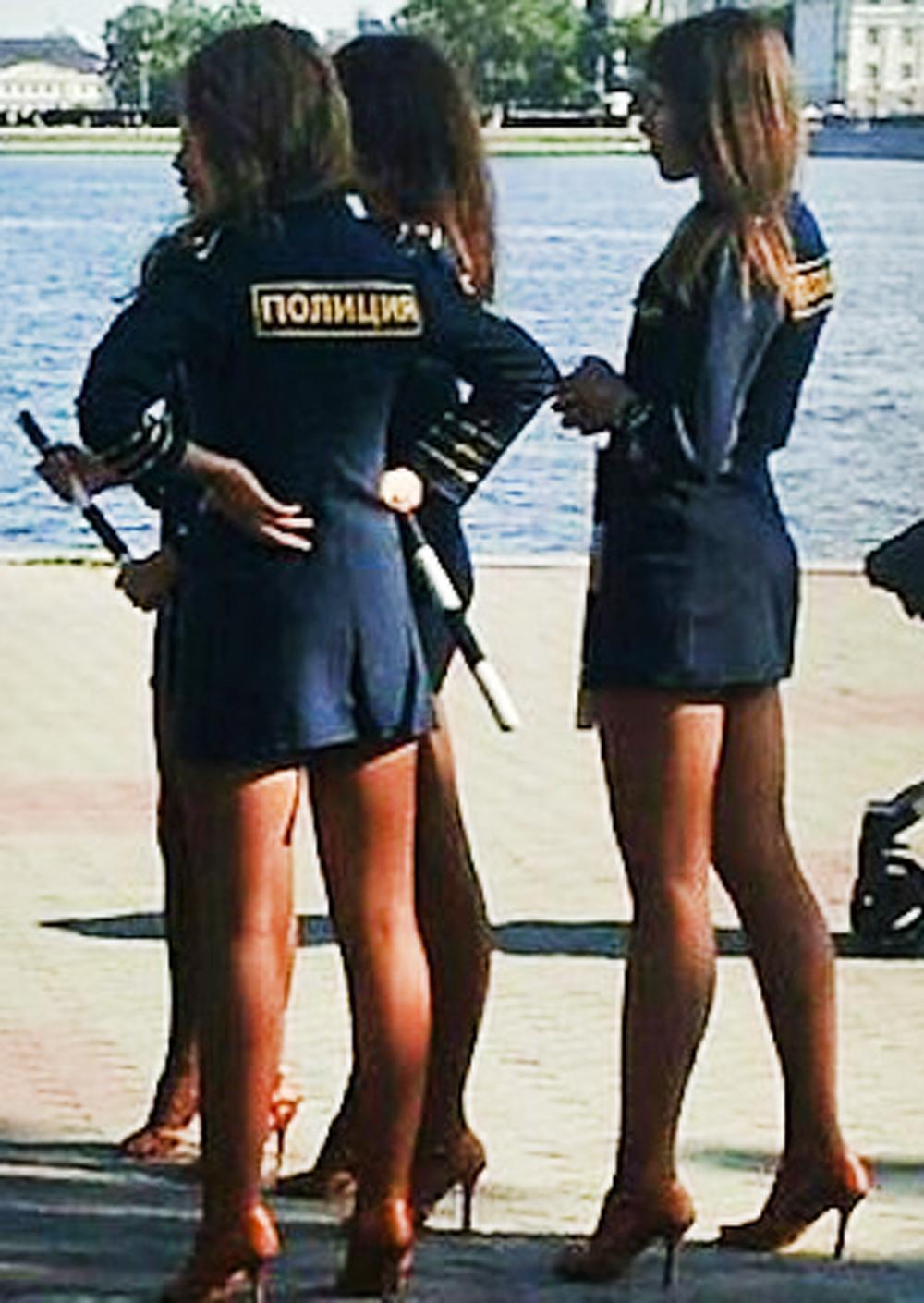 Русские Девушки В Юбках