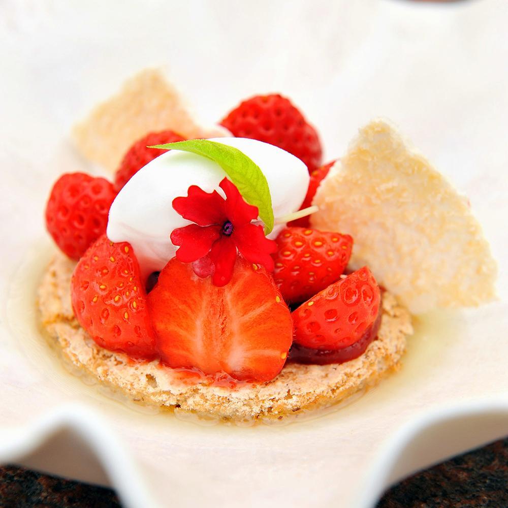 Fraises de bayonne et biscuit sans farine une recette - Cuisine traditionnelle russe ...