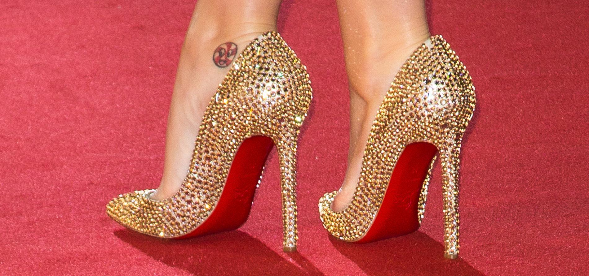 Les Chaussures À Ces Prêtes Pour Tous Femmes Des IyY76gvbf