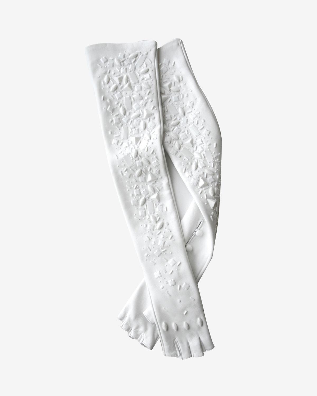 Les accessoires indispensables pour un mariage en hiver le figaro madame - Manteau mariage hiver ...