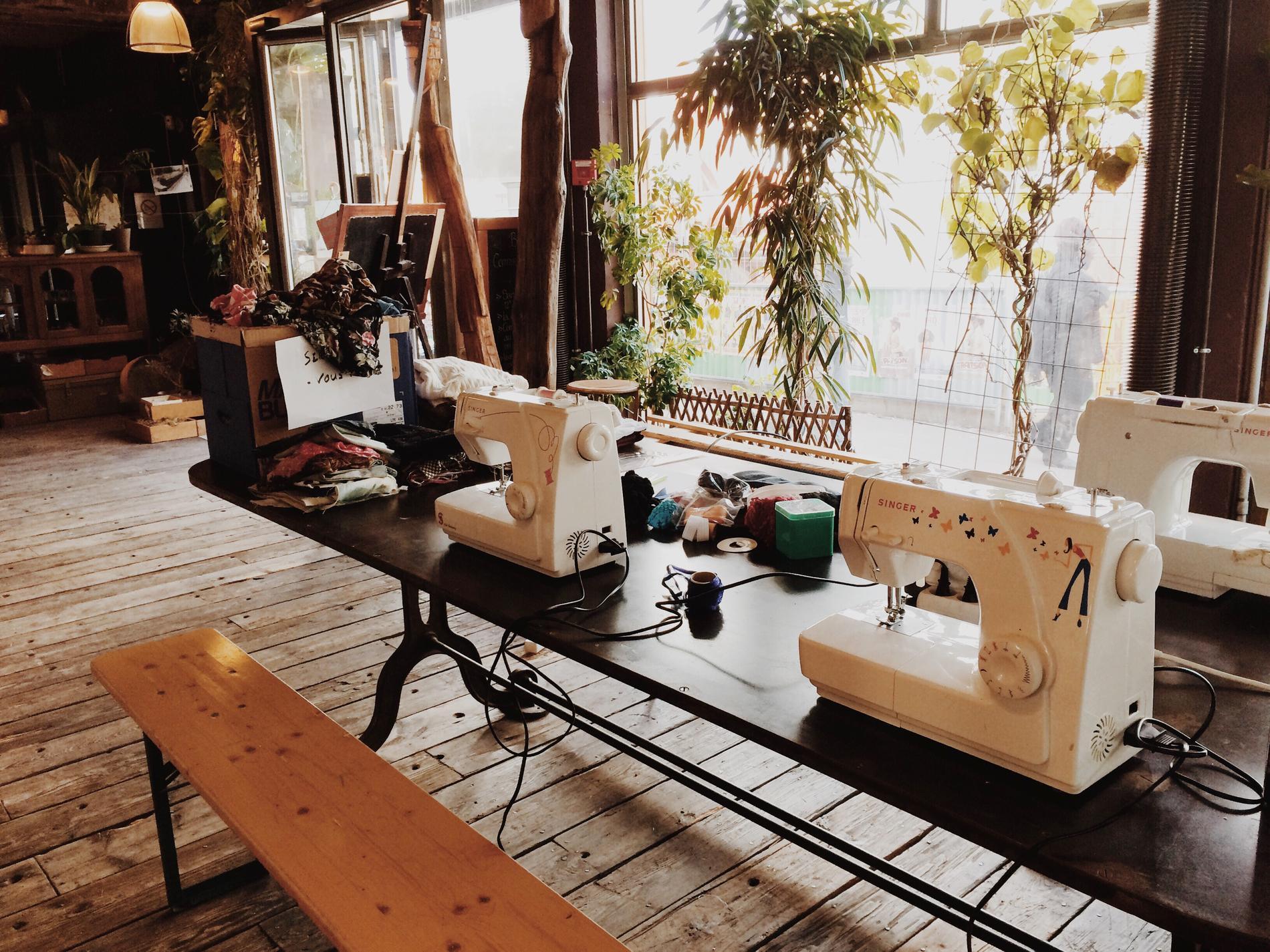 le boom des ateliers couture pour personnaliser ses v tements madame figaro. Black Bedroom Furniture Sets. Home Design Ideas
