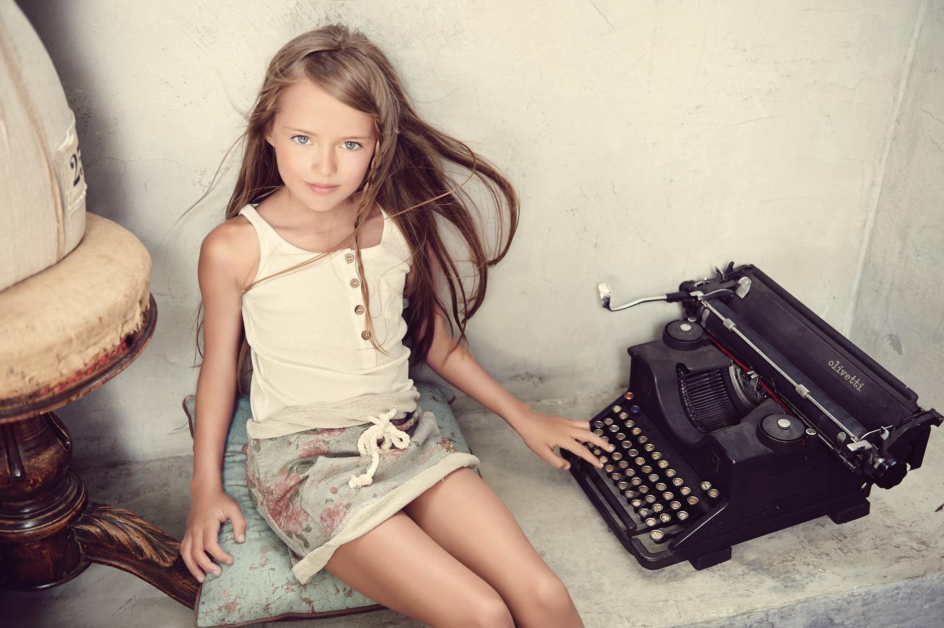 kristina  9 ans  le jeune mannequin russe qui d u00e9range