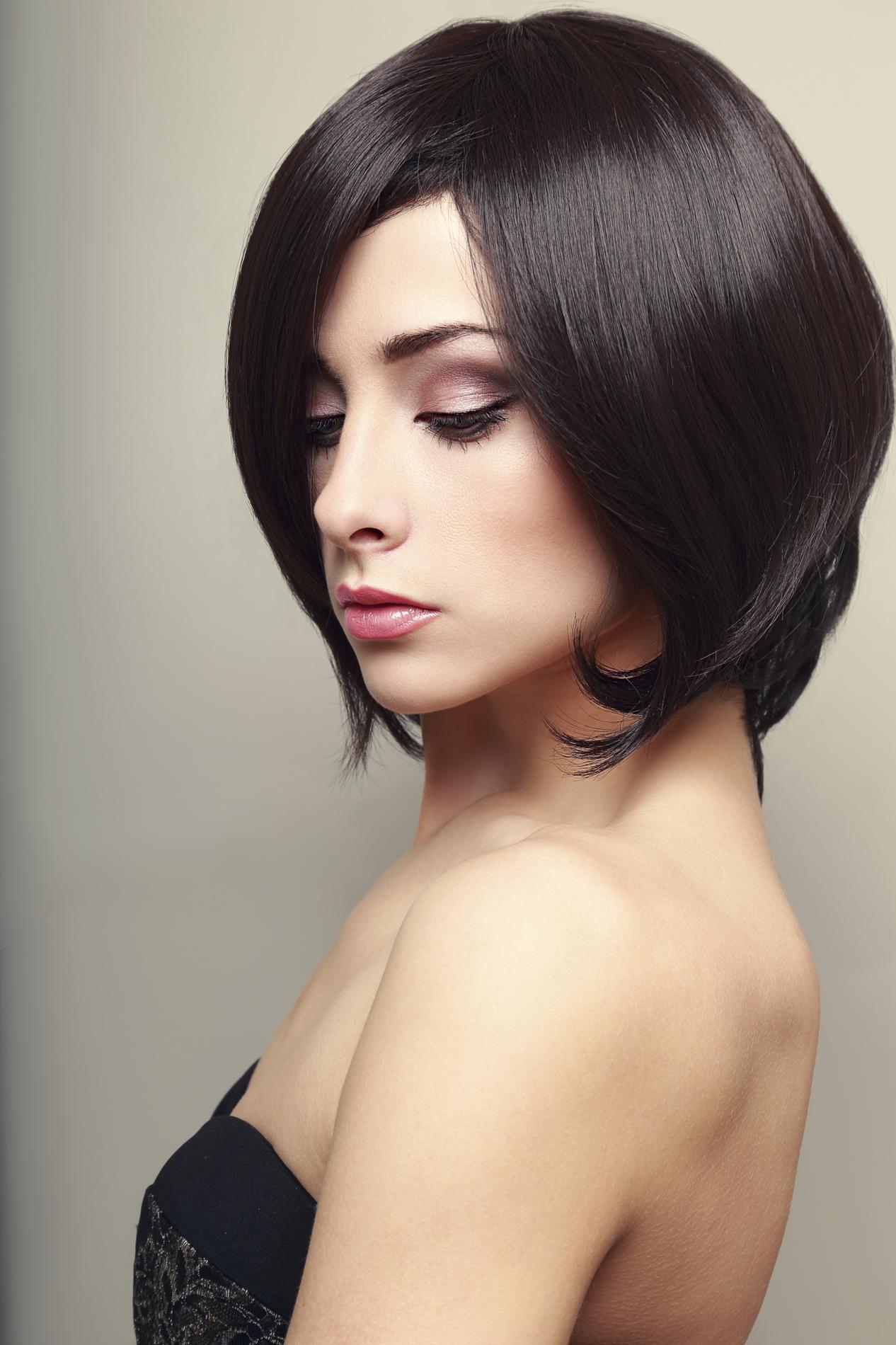 Cheveux Carre Court dedans comment réussir une coupe carrée chez soi ? - madame figaro