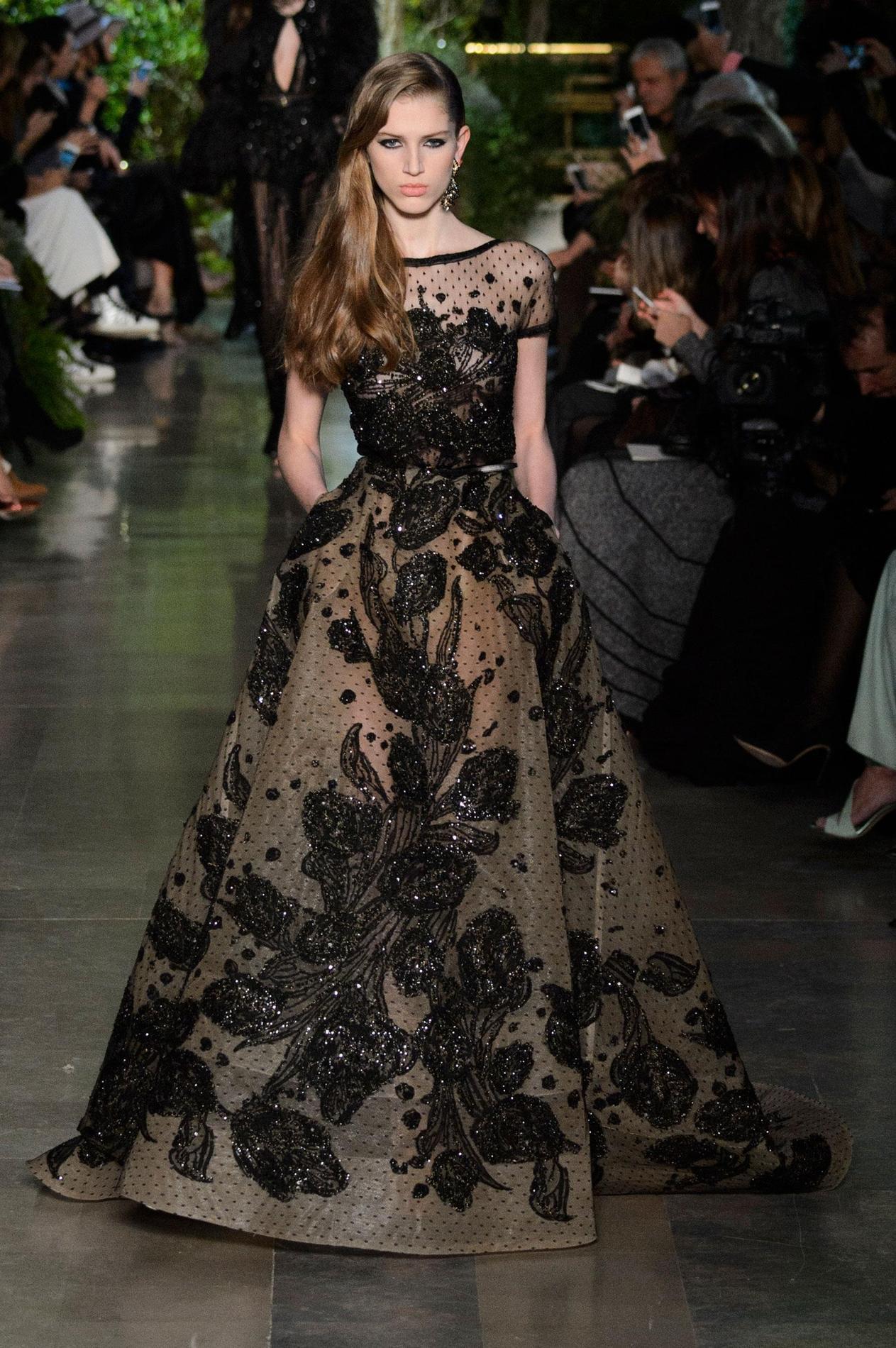 robes du soir quand la haute couture nous fait r ver le figaro madame. Black Bedroom Furniture Sets. Home Design Ideas