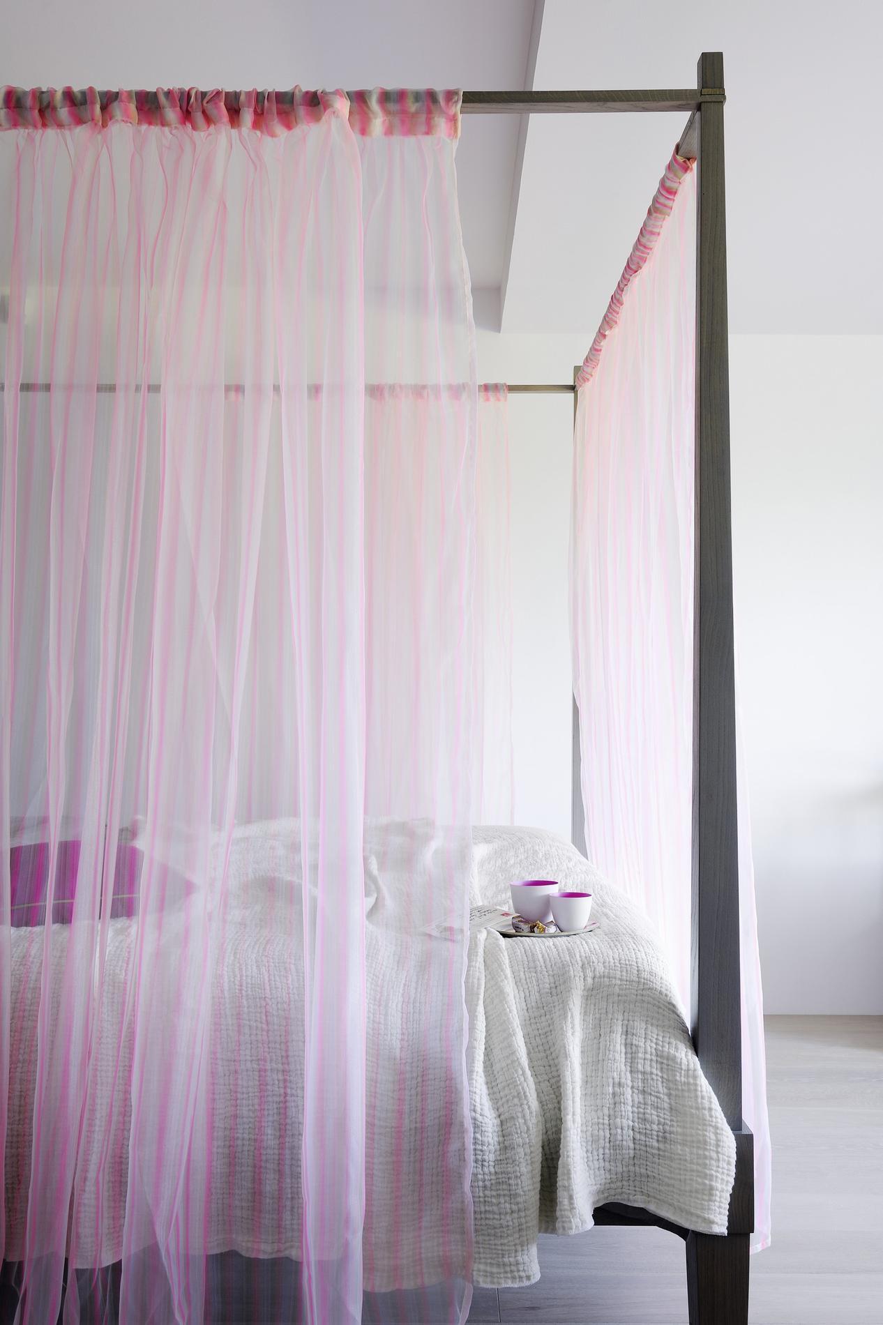 Bleu, blanc, gris : la couleur de votre chambre influence votre ...