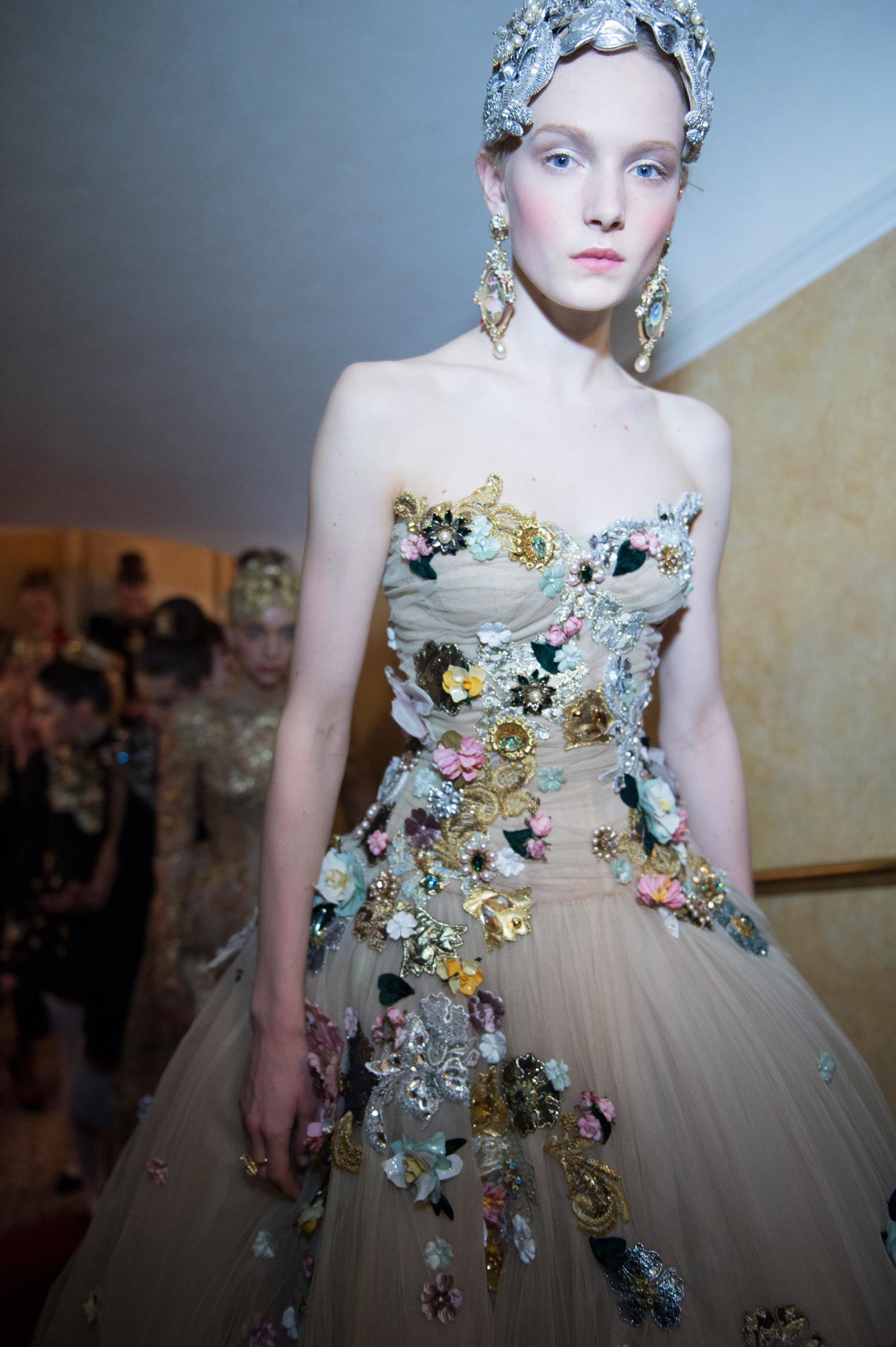 Un Ballet De Couture Signé Dolce Gabbana Madame Figaro
