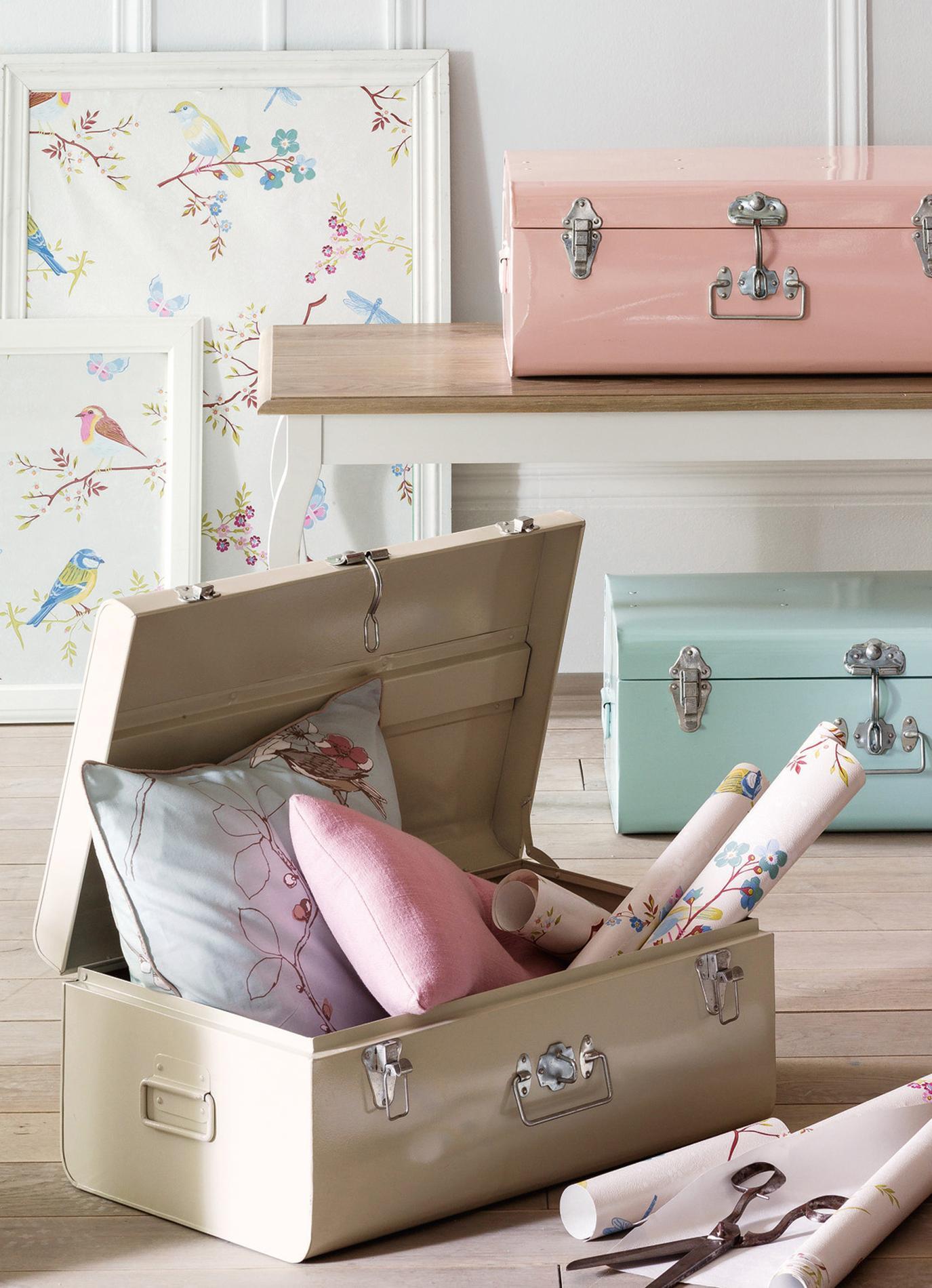 rangement 20 solutions esth tiques et astucieuses qui sortent du placard le figaro madame. Black Bedroom Furniture Sets. Home Design Ideas
