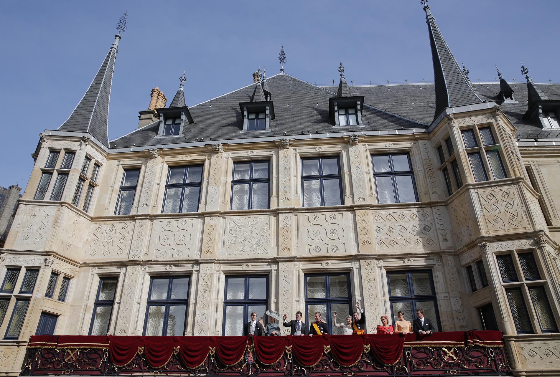 o vivent les rois et les reines d europe madame figaro. Black Bedroom Furniture Sets. Home Design Ideas