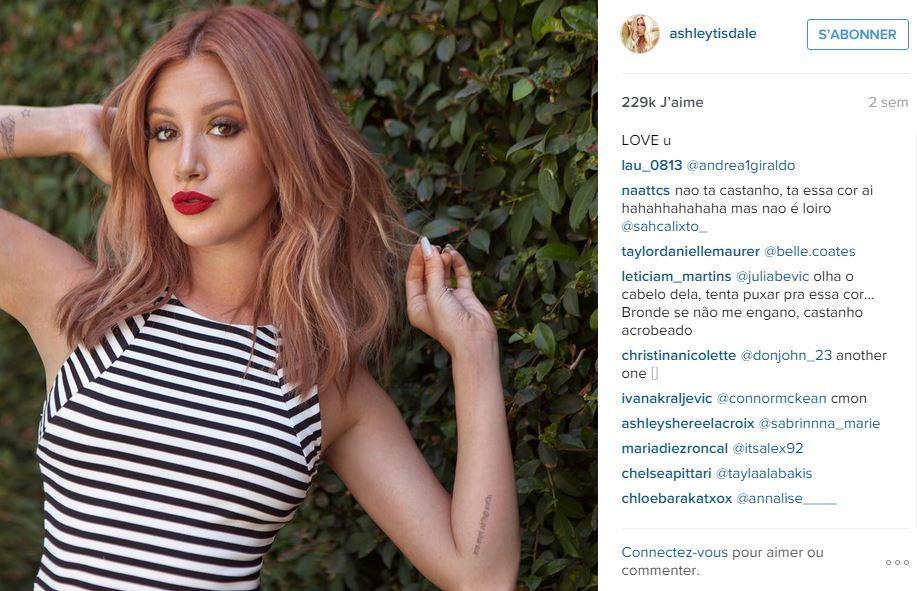 lactrice ashley tisdale a adopt cette nouvelle couleur dans une variante chtain fraise - Coloration Reflet Blond