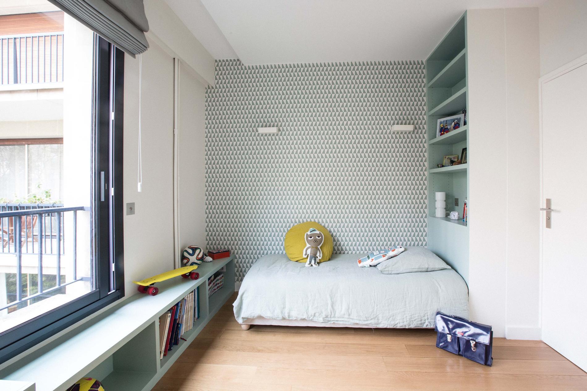 Cinq astuces pour optimiser les espaces atypiques madame for Tapisserie montee escalier