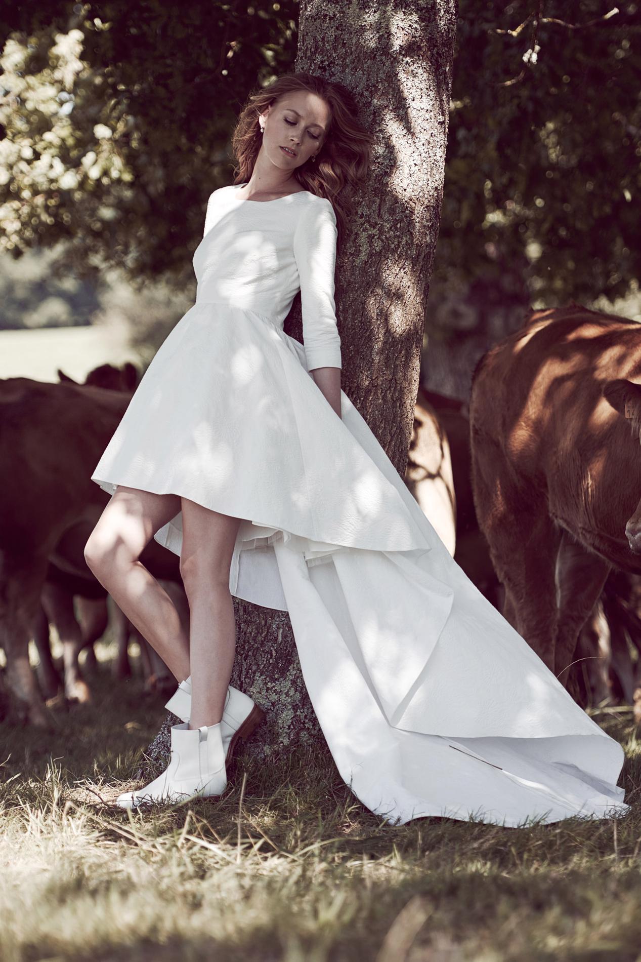 mariage en hiver les plus belles robes de la saison madame. Black Bedroom Furniture Sets. Home Design Ideas