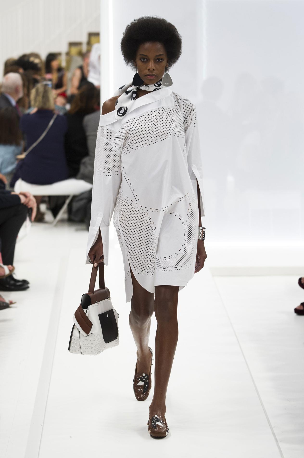 robes chemises franges crochet vintage le vestiaire du printemps t 2016 madame figaro. Black Bedroom Furniture Sets. Home Design Ideas