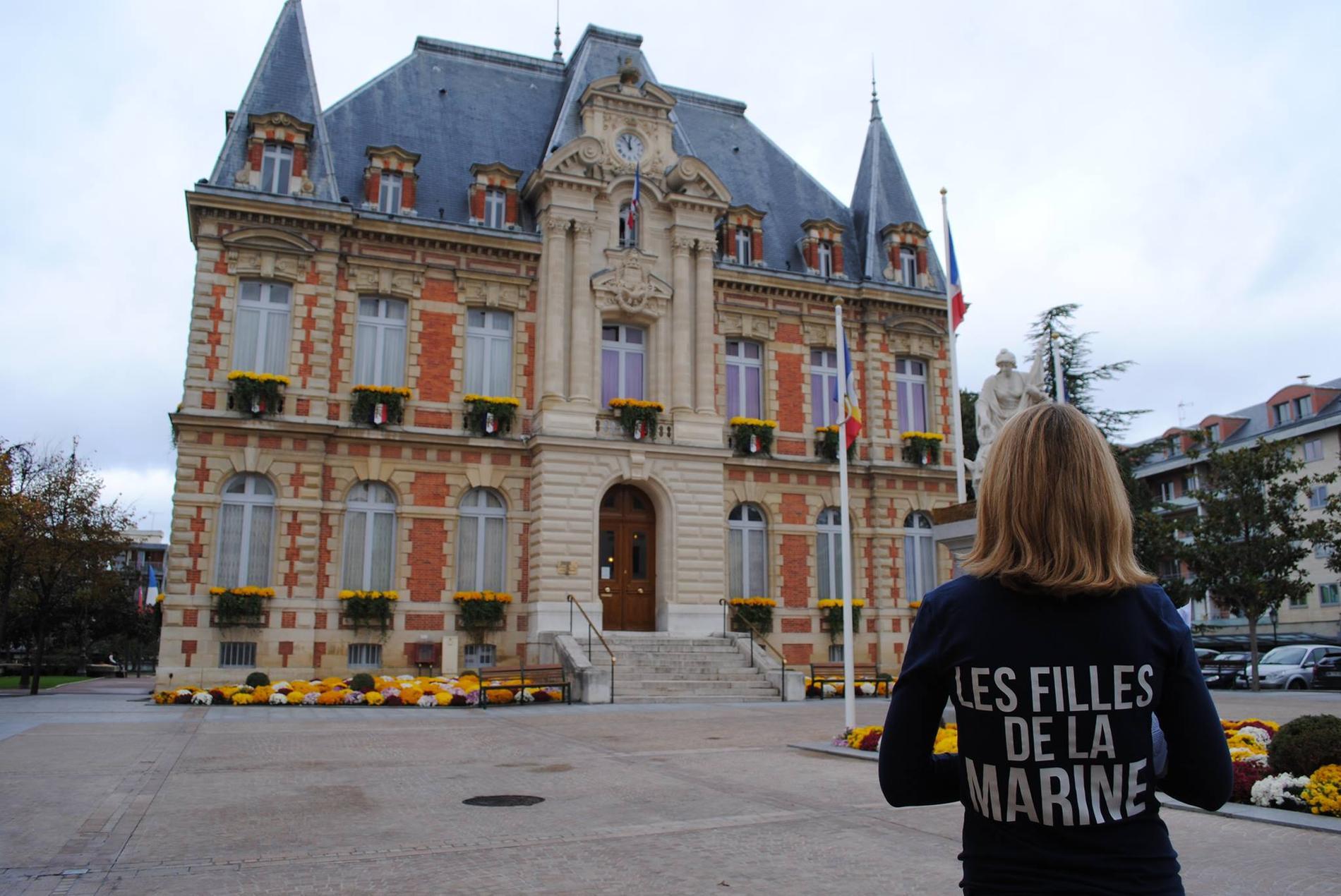 Front National Femme Au Foyer : Zoom sur les quot filles de la marine nouvelle génération