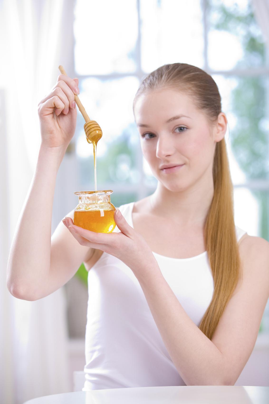 3recettes base de miel pour faire des masques visage. Black Bedroom Furniture Sets. Home Design Ideas