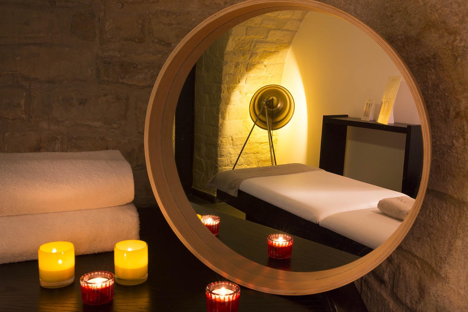 Saint valentin des massages partager en duo madame figaro - Salon de massage pour couple ...
