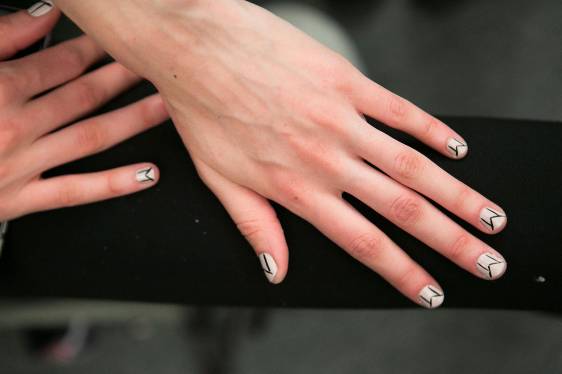 Les tendances manucures repérées sur les podiums de la Fashion Week