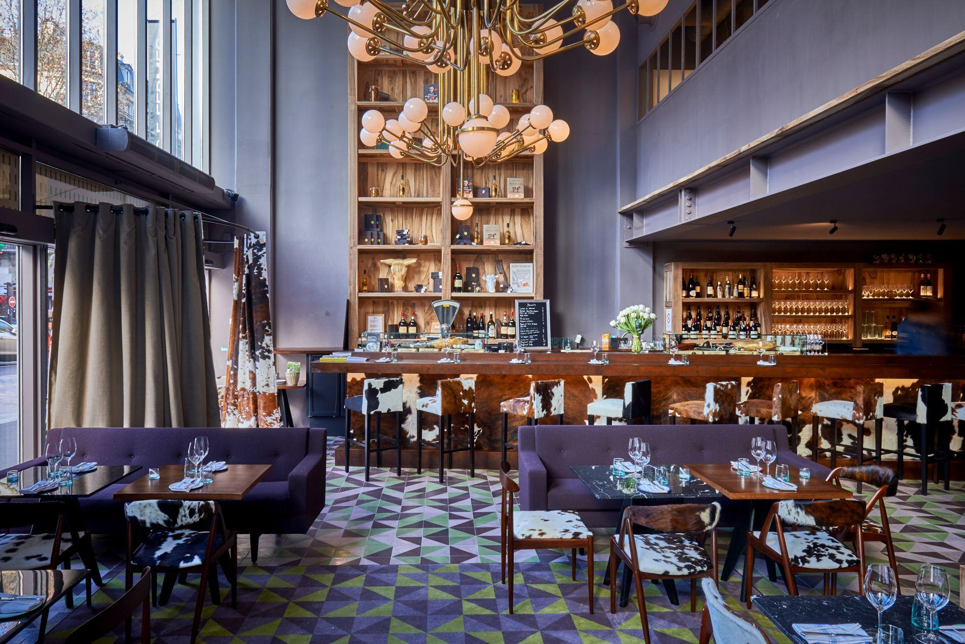 chic le boucher hugo desnoyer ouvre sa table parisienne. Black Bedroom Furniture Sets. Home Design Ideas