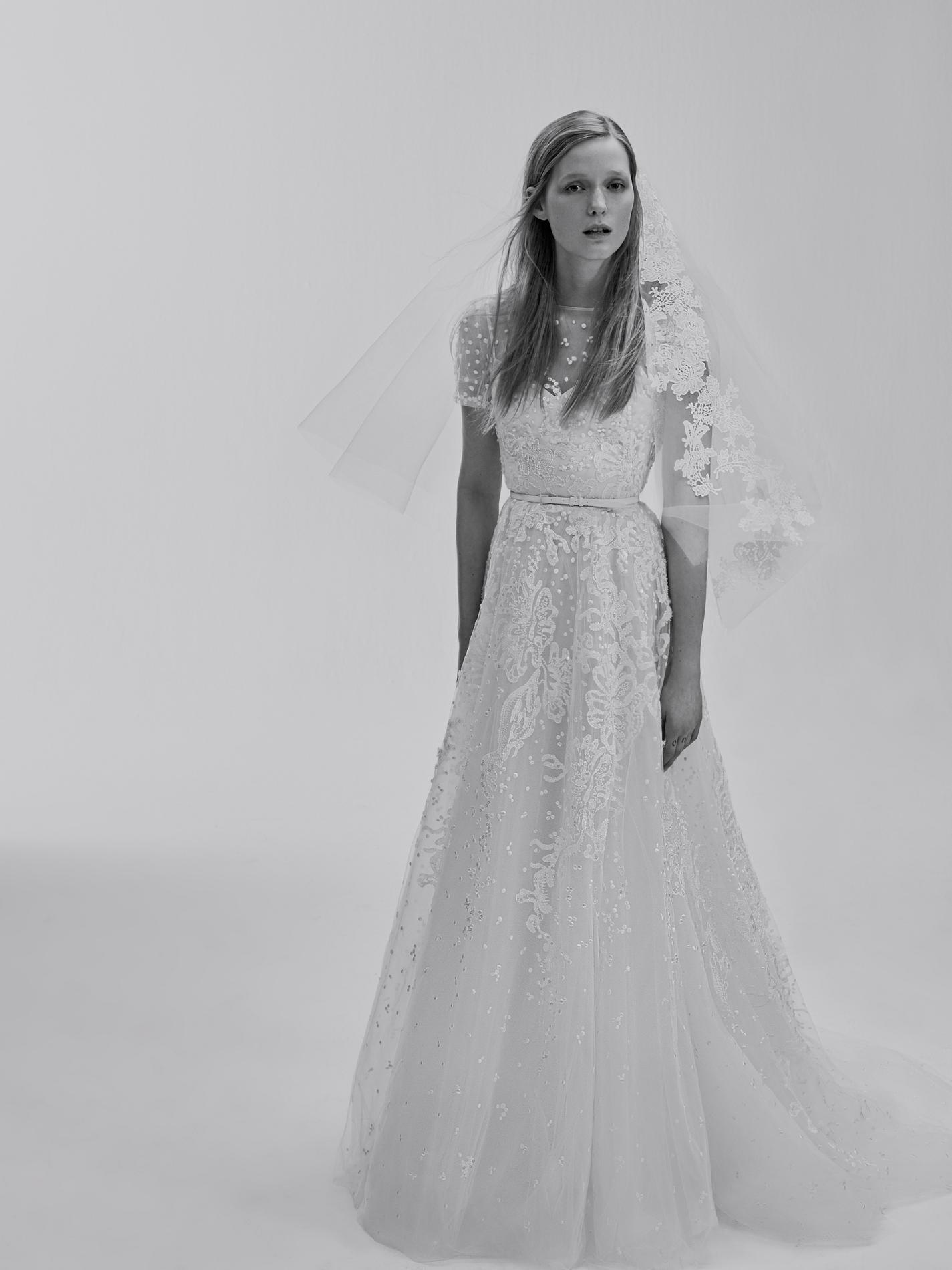 elie saab d voile sa ligne de robes de mari e bridal madame figaro. Black Bedroom Furniture Sets. Home Design Ideas
