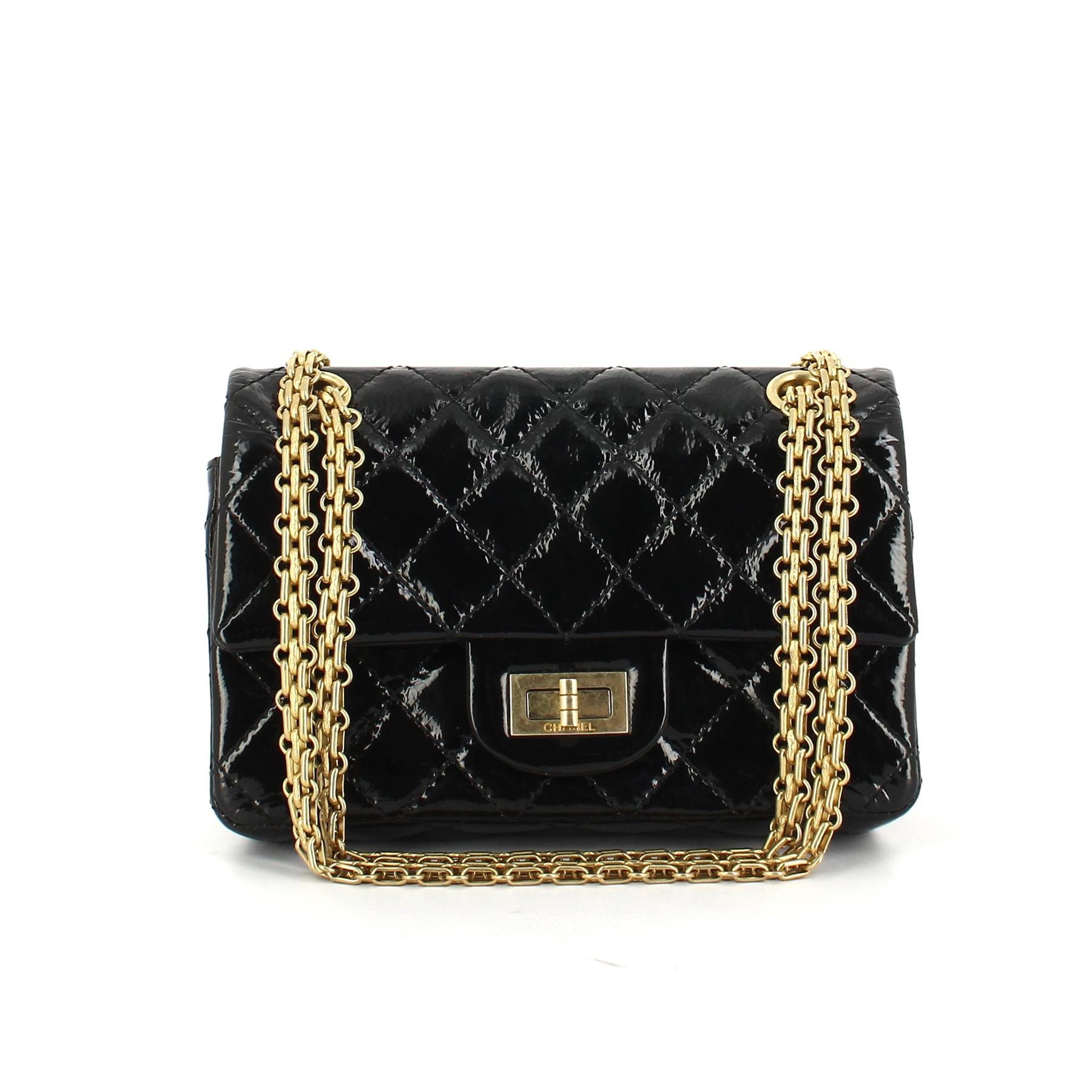 Le sac 2.55   les secrets de Coco Chanel à portée de main de toutes les  femmes 3b7d373e6f91